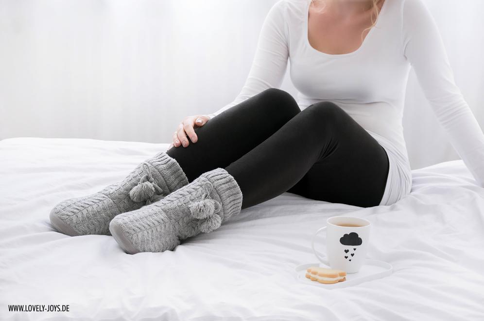 graue Hausschuhe Stiefel Wolkentasse DIY scandinavian style