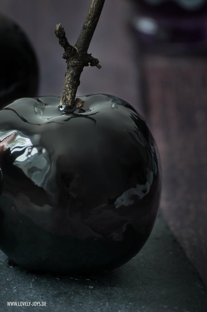 Schwarze Äpfel glänzend Halloween Rezept Idee