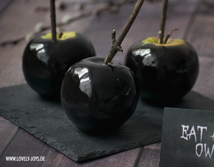 Schwarze Schneewittchen Äpfel Halloween Rezept