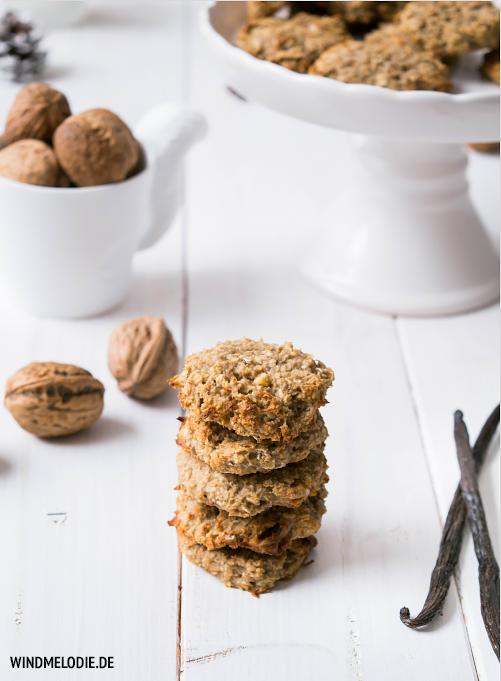 Vegan Haferflocken Kekse Rezept mit Nüssen