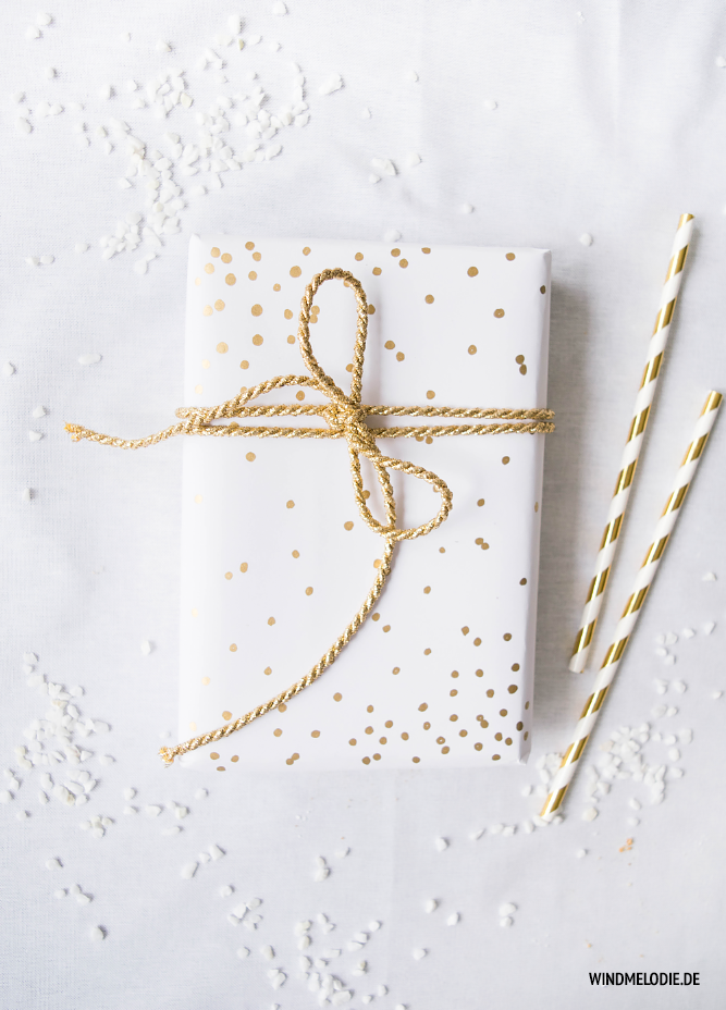 DIY Geschenkverpackung Ideen gold konfetti