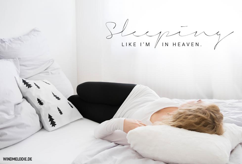 skandinavisch schlafzimmer schwarz weiß