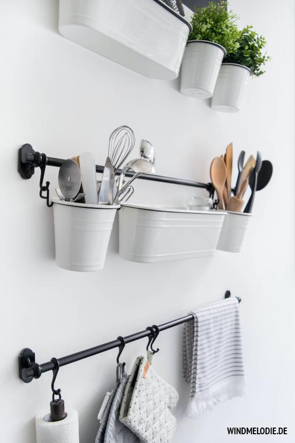 Küche Aufbewahrung System Ordnung Wand schwarz weiß