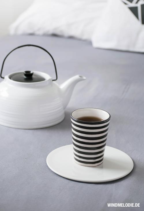 TineK Becher Tasse Streifen Stripes schwarz weiß