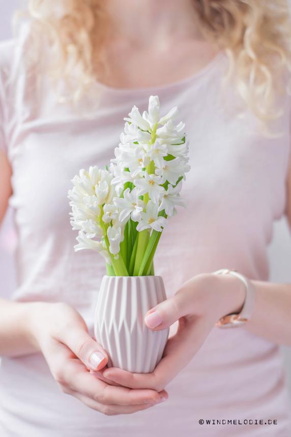 Vase rosa skandinavisch origami style