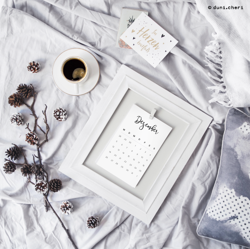 Minimalistisch Kalender Kaffee Flatlay