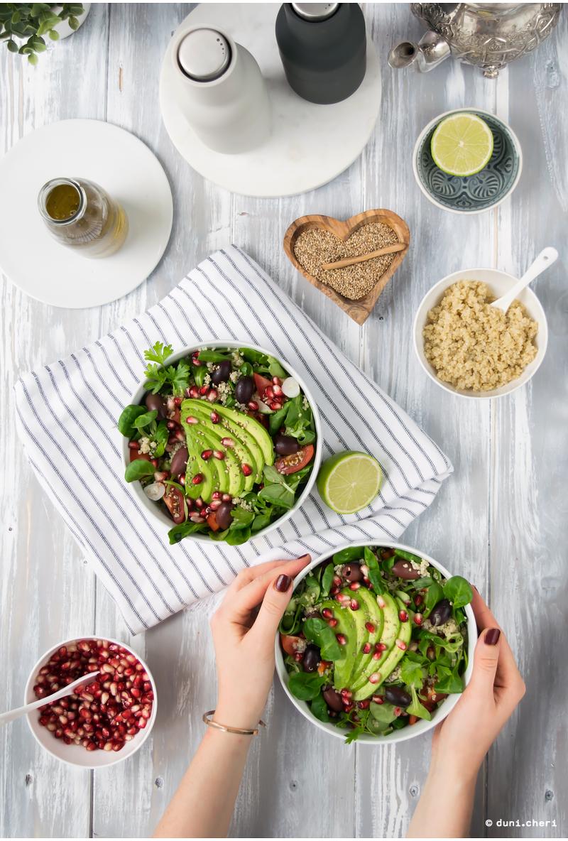 salat vegan avocado quinoa food bowl Lowcarb