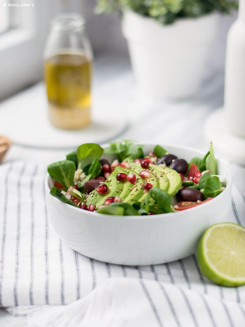 vegan salat bowl quinoa rezept avocado