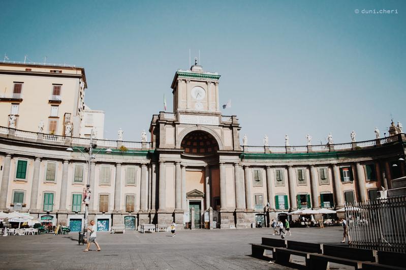 italien neapel stadt schwarz weiss foto gasse