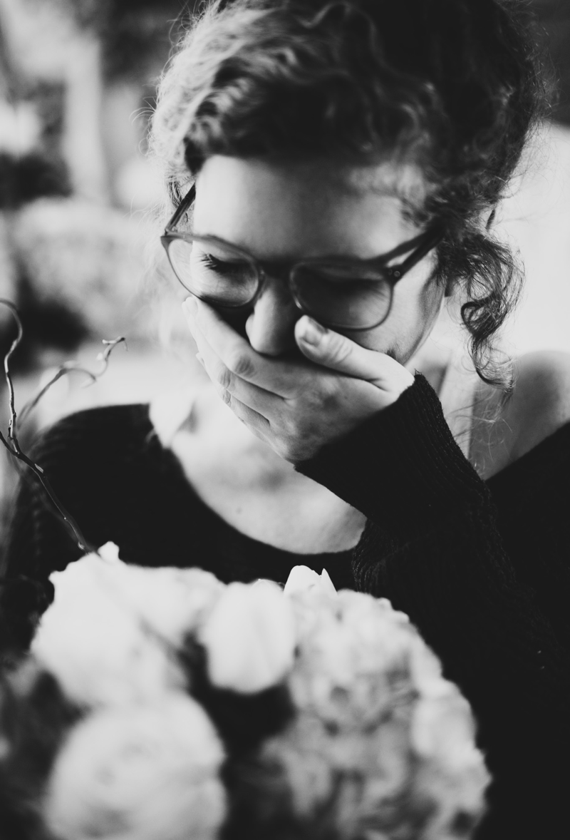 Flowerpower Frau Lachen