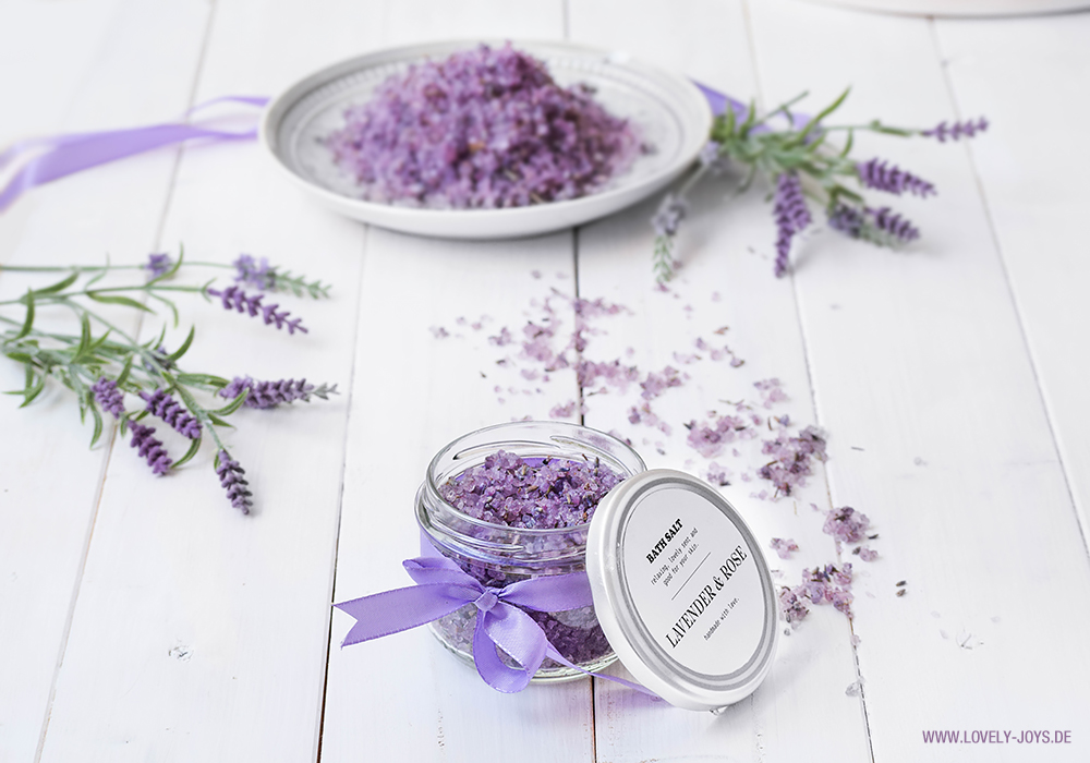Badesalz Lavendel selber herstellen DIY Lila Rose