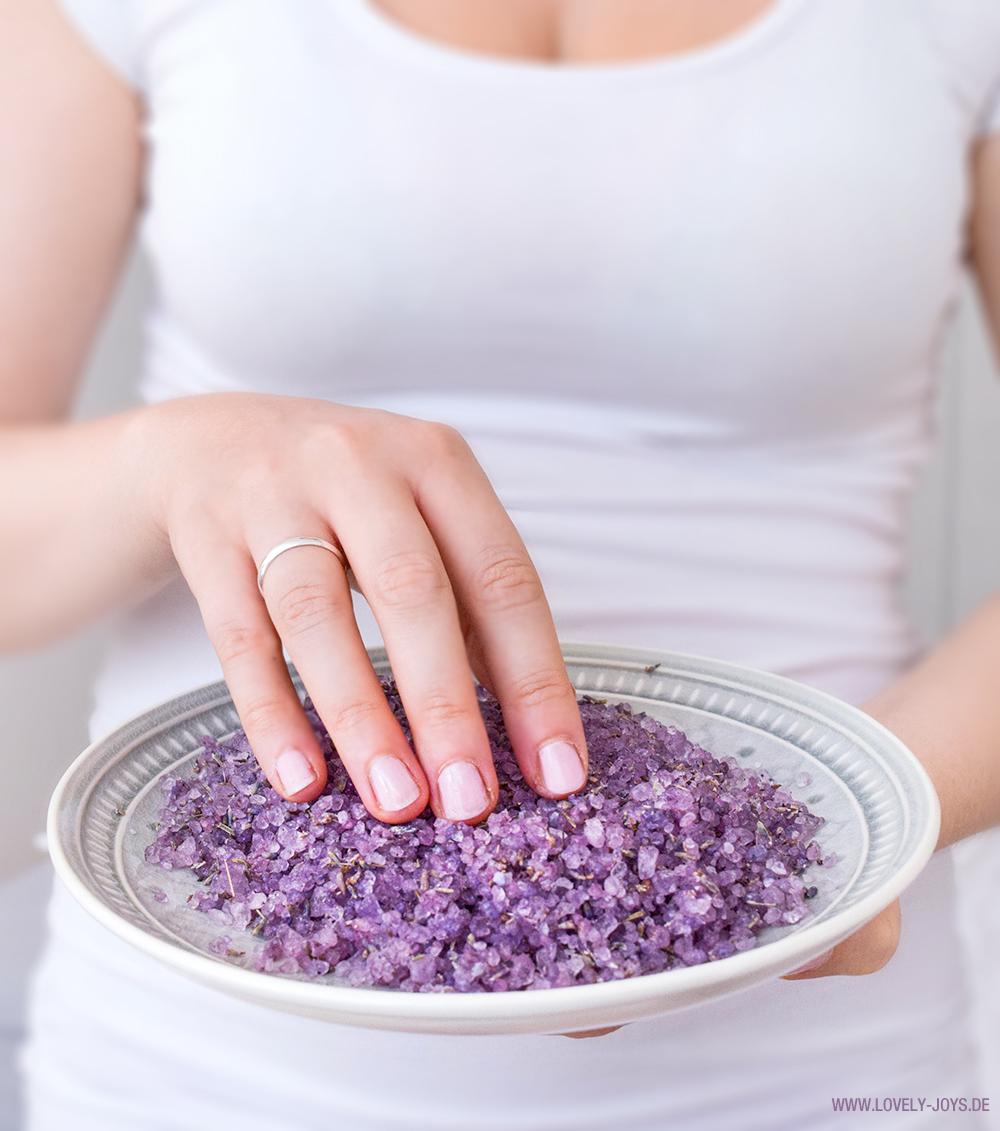 Beauty selbstgemachtes Badesalz mit Lavendel und Rose