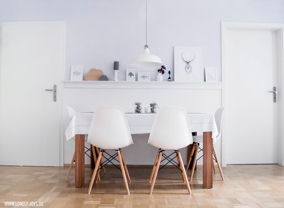 Nordisch Skandinavisch Einrichtung Design Esszimmer Vitra Stühle weiß
