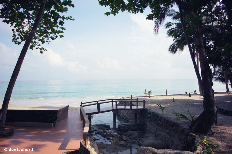 smile bungalows bottle beach thailand insel