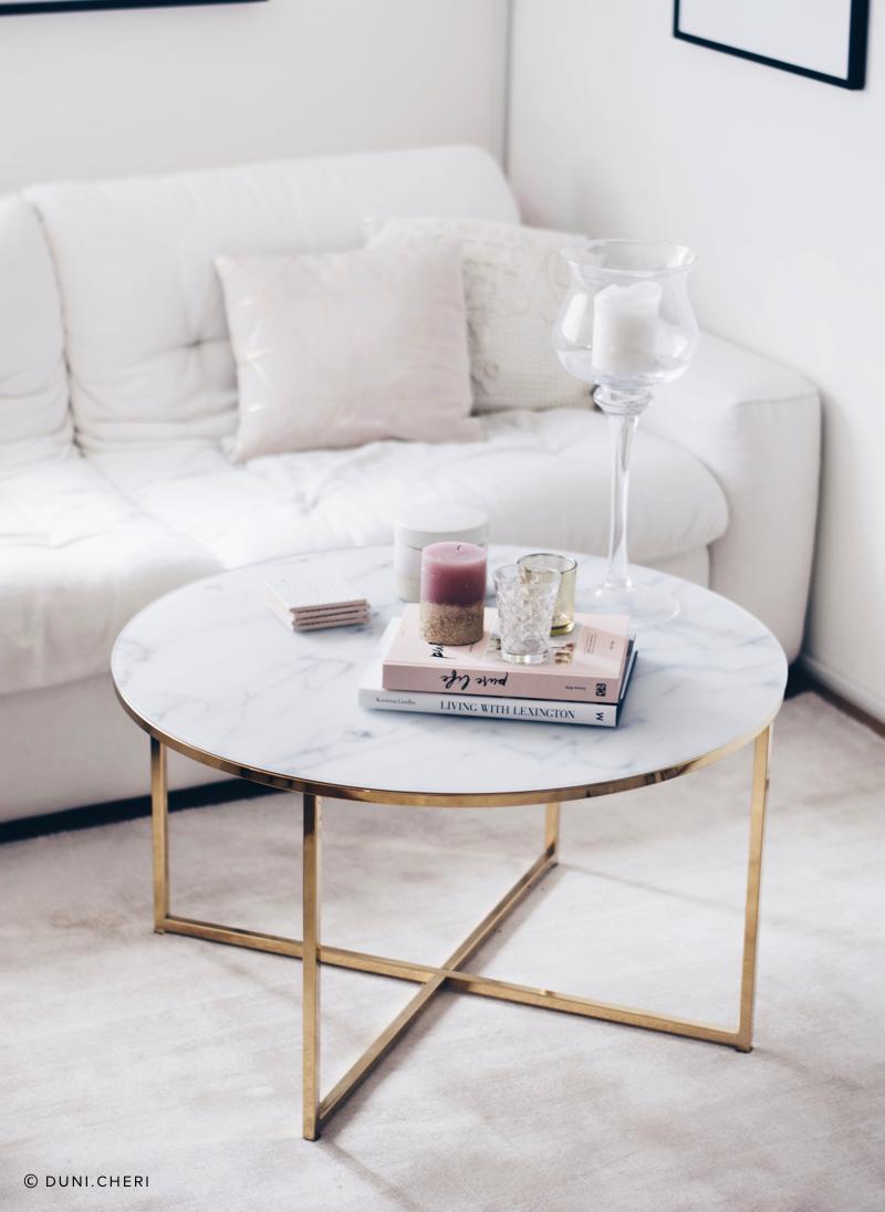 scandi-chic wohnzimmer couchtisch marmor gold weiß rund