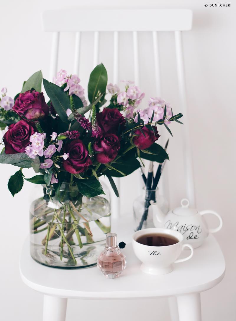 blumenstrauß valentinstag rosen