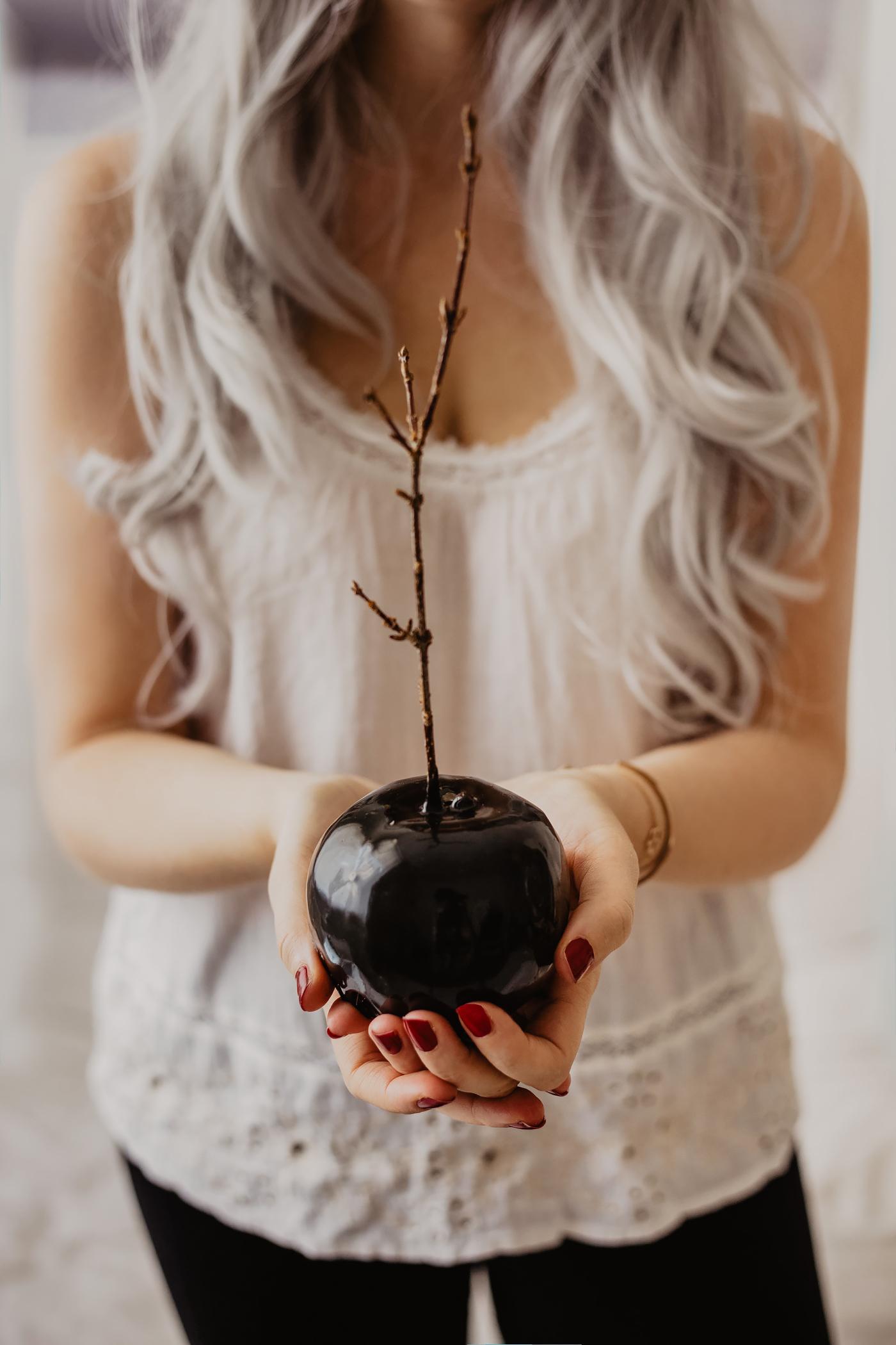schwarze karamell äpfel halloween deko essen idee
