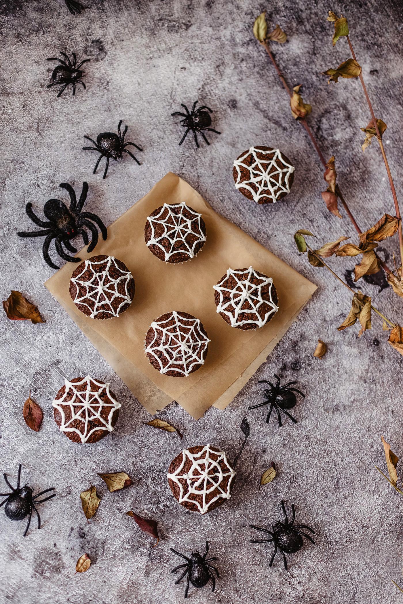 spinnen cupcakes schoko muffins spinnennetz