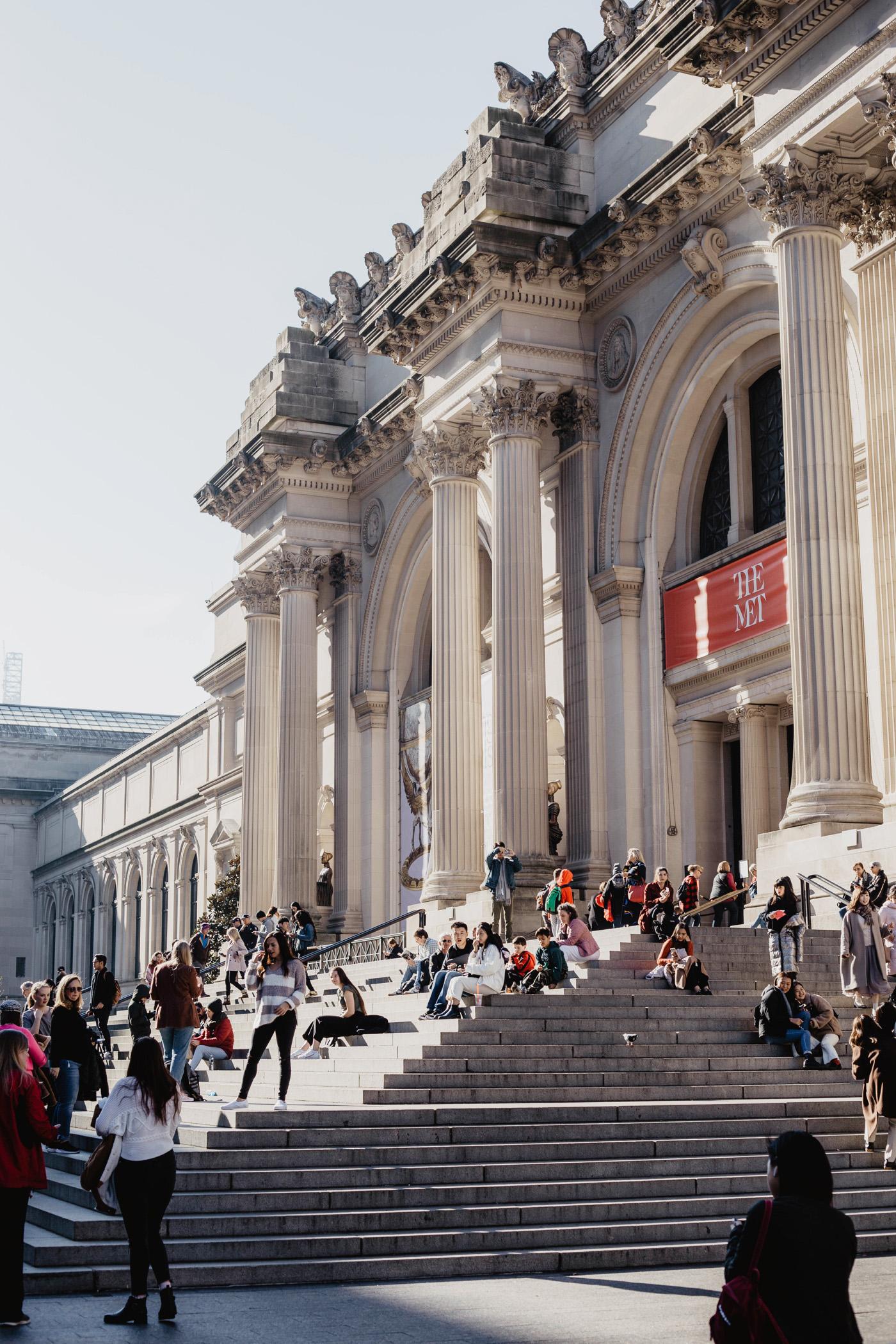 stufen the met museum new york manhattan upper east side