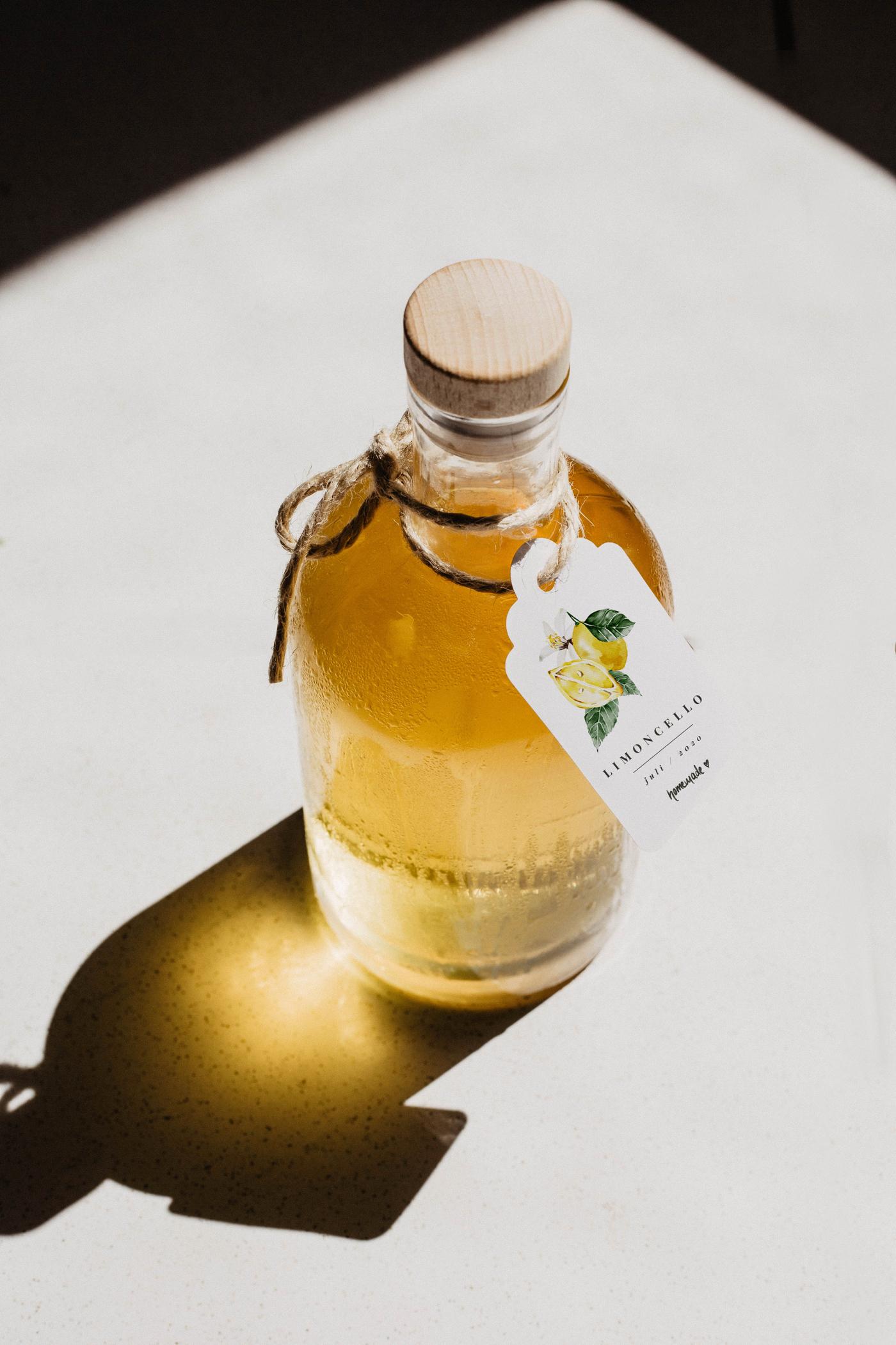 limoncello etikett flasche