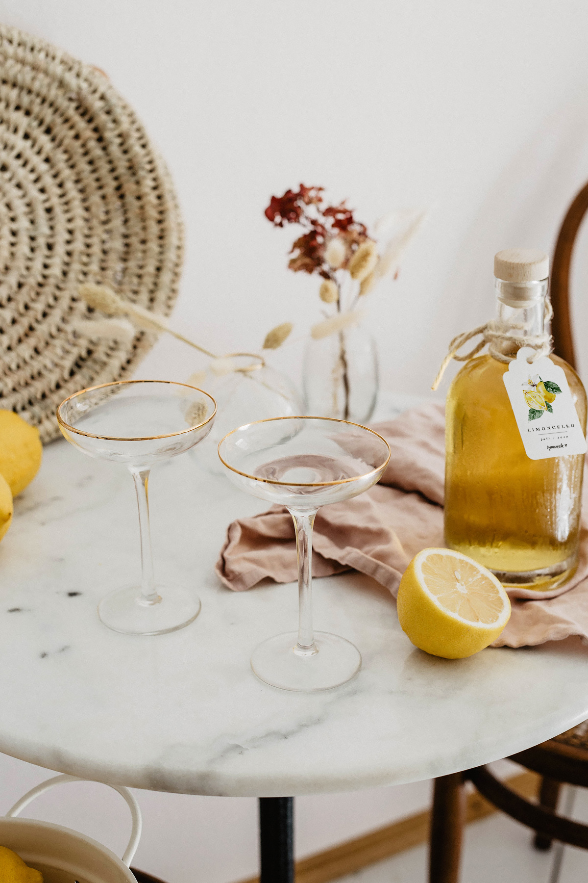 limoncello spritz drink
